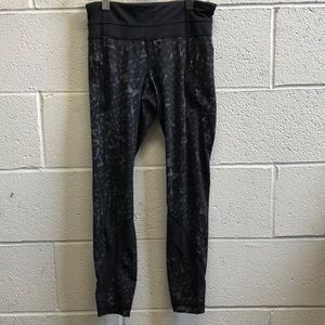 Lululemon black and gray legging, sz 4, 61793